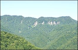 クマ牧場から見る福地壁の風景
